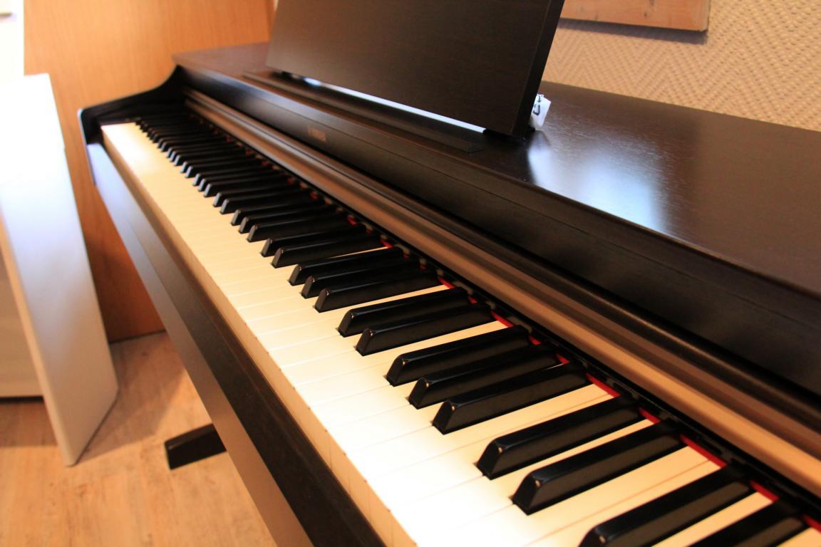 yamaha arius ydp 163 klaviergalerie. Black Bedroom Furniture Sets. Home Design Ideas